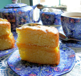 Victoria Sandwich - Classic English Sponge Cake for Tea Time. Photo by French Tart