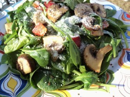 Warm Mushroom & Wilted Spinach Salad. Photo by Nif