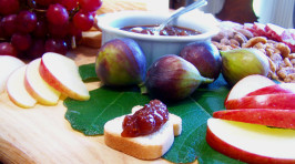 Fresh Fig and Ginger Chutney from the Auberge. Photo by Rita~