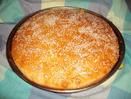 Algerian Khobz El Dar -- Semolina Bread. Photo by Um Safia