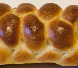 Easy No-Knead Challah Bread. Photo by Persian Berry 2011