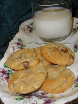 Alice's Chocolate Chip Cookies. Photo by Shark Lover