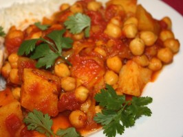 Chickpea Curry (Vegan -Pressure Cooker). Photo by **Jubes**