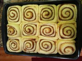 Aunt Joan's Cinnamon Rolls. Photo by Gidget265