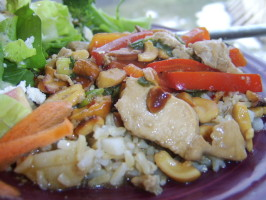 Chicken, Cashews, Red Pepper and Scallion Stir Fry. Photo by LifeIsGood