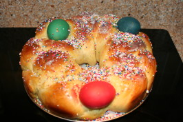 Tsoureki - Greek Easter Bread (Bread Machine Recipe). Photo by carolinemoretti_1974