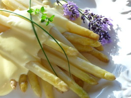 Spargel - White Asparagus With Easy Hollandaise Sauce. Photo by BecR