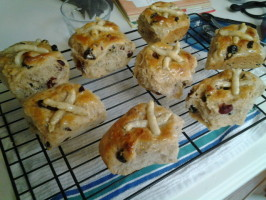Hot Cross Buns (No ABM). Photo by hylas
