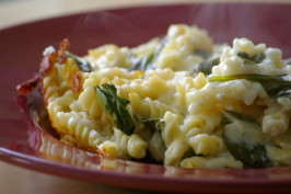 Light Macaroni and Cheese with Spinach. Photo by Redsie