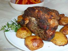 Greek Roast Leg of Lamb with Potatoes. Photo by awalde