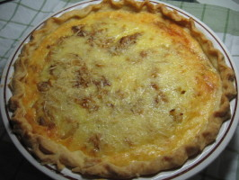 Savoury Cheeseburger Onion Pie. Photo by LiaCN