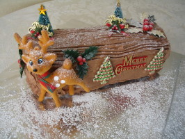 Buche De Noel (Yule Log). Photo by Evie*
