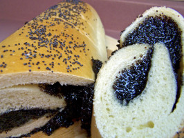Poppy Seed Roll (Makowiec) & Bread Machine Method. Photo by Rita~