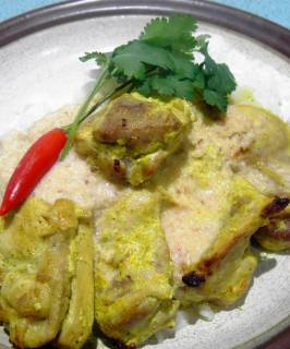Marinated Chicken Breast With Coconut Curry Sauce. Photo by JustJanS