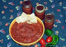 Canned (Bottled) Salsa. Photo by Sticky Lips
