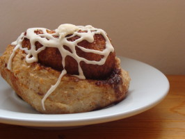 Glazed Cinnamon Rolls - Bread Machine. Photo by Lieutenant Ducky