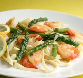 Apr. 7:  Garlic Shrimp With Asparagus & Lemon
