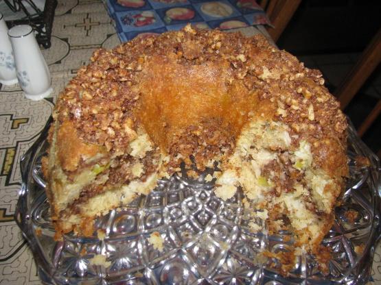 Apple Sour Cream Cinnamon Walnut Bundt Cake Recipe