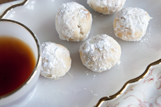 Traditional mexican wedding cookies recipe genius kitchen for Traditional mexican wedding cookies