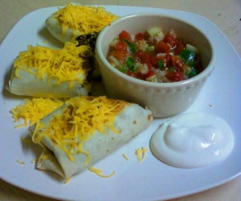 how to make chicken black bean burritos