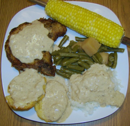 Pork chops with country gravy recipe
