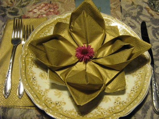 Serviette Napkin Folding, Maries Lily Pad Variation, Lotus Recipe