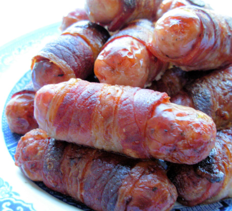 saw a recipe for Jalapeño Popper Pigs in a Blanket here and decided ...