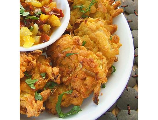 Onion bhajis recipesbnb onion bhajis food genie indian restaurant style onion bhajideep fried onion fritters forumfinder Gallery