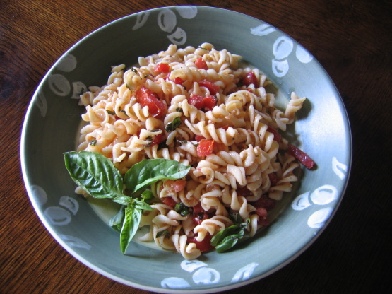 Tomato basil pasta salad recipe genius kitchen for Q kitchen pasta buffet