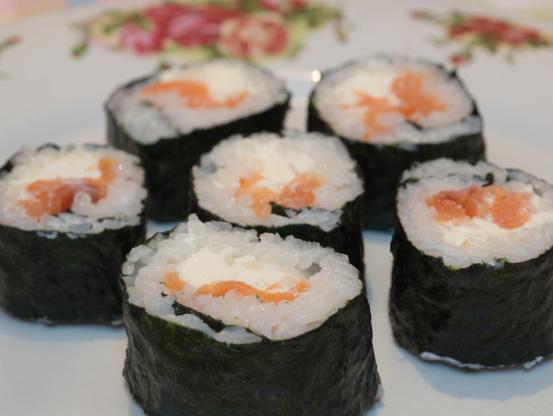 Smoked Salmon Sushi Roll smoked salmon sushi recipe - food.com
