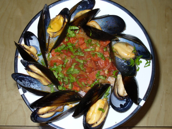 Steamed Clams With Chorizo And Tomatoes Recipe - Genius ...