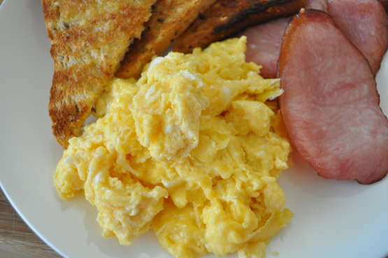 how to make scrambled eggs with one egg