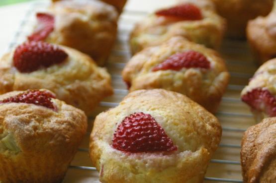 ... jpg strawberry rhubarb muffins strawberry rhubarb muffins