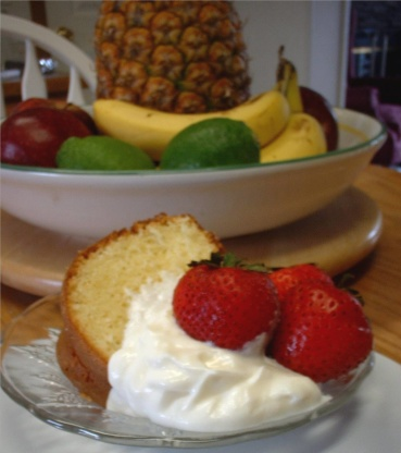 Lemon Almond Sour Cream Pound Cake Recipe - Food.com