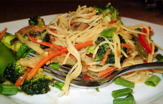 Thai Noodles With Spicy Peanut Sauce RecipeFood.com