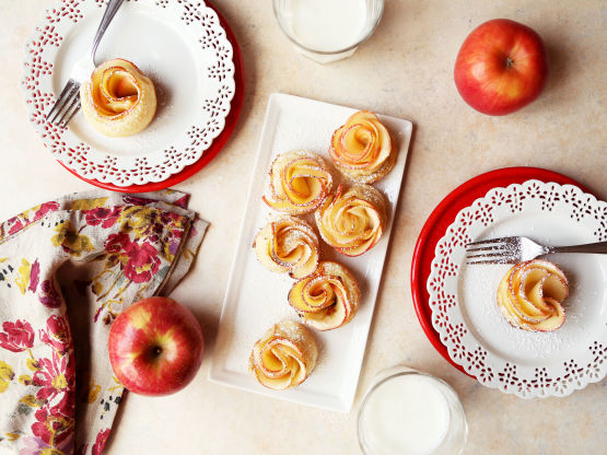 Easiest Apple Roses