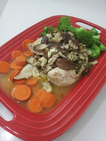 Chicken Breast Baked In A Bag With Mushrooms Butter White Wine And Thyme Recipe Food Com
