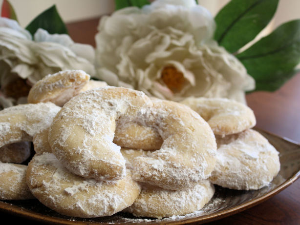 Almond Crescent Cookies Recipe - Food.com