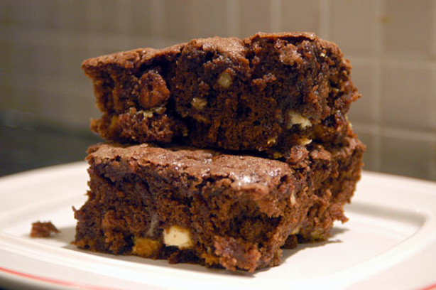 Macadamia Chocolate Brownies With White Chocolate Recipe