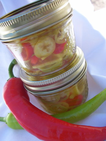 Banana pepper rings recipe - How to can banana peppers from your garden ...