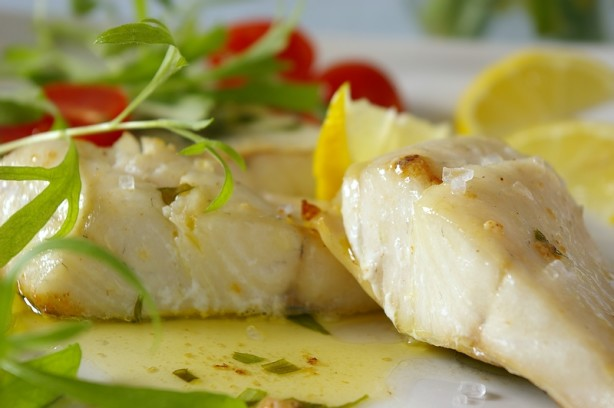 Easy halibut fillets with herb butter recipe for Halibut fish recipes
