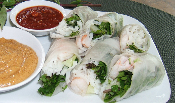 Shrimp Summer Rolls With Peanut Dipping Sauce Recipe - Food.com
