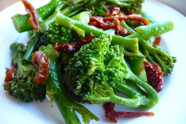 Broccoli Rabe With Sun-Dried Tomatoes Recipe - Italian.Food.com