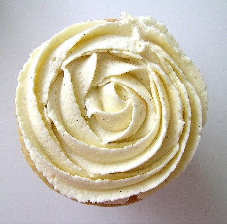 Martha Stewarts Grand Marnier Italian Buttercream Frosting Recipe ...