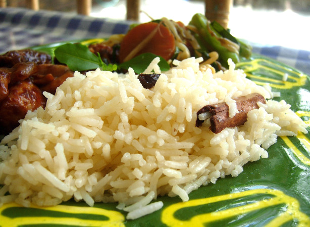 Saffron Rice With Cashews And Raisins Recipe - Food.com