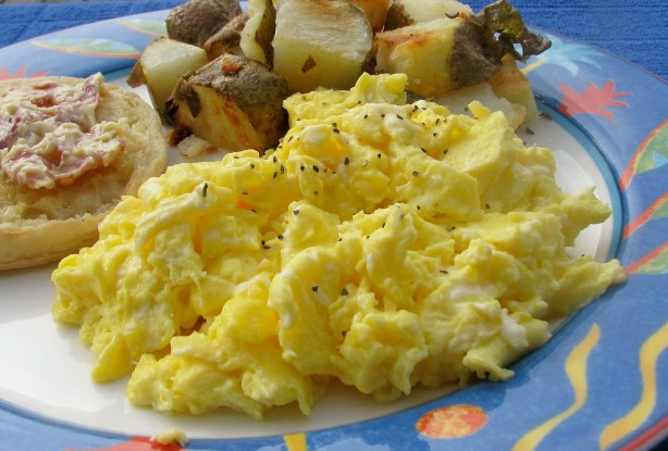 how to cook scrambled eggs without butter or oil