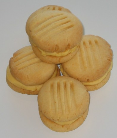 Custard Thumbprint Biscuits   Dessert Recipes   GoodtoKnow