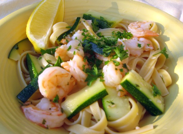 olive garden zucchini olive garden fettuccine with shrimp and zucchini recipe food