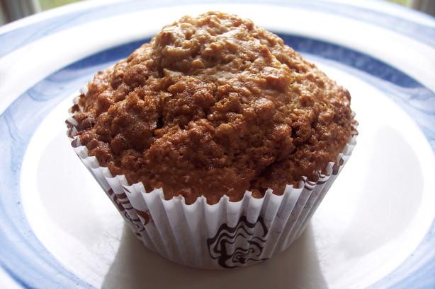 Lighter, But Scrumptious Oatmeal Raisin Muffins :) Recipe - Food.com