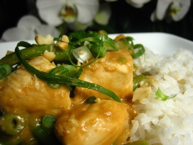 Chicken And Green Beans In Spicy Peanut Sauce! Recipe - Food.com